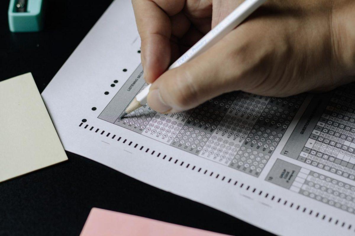 英國定居簽證所需的英語測試