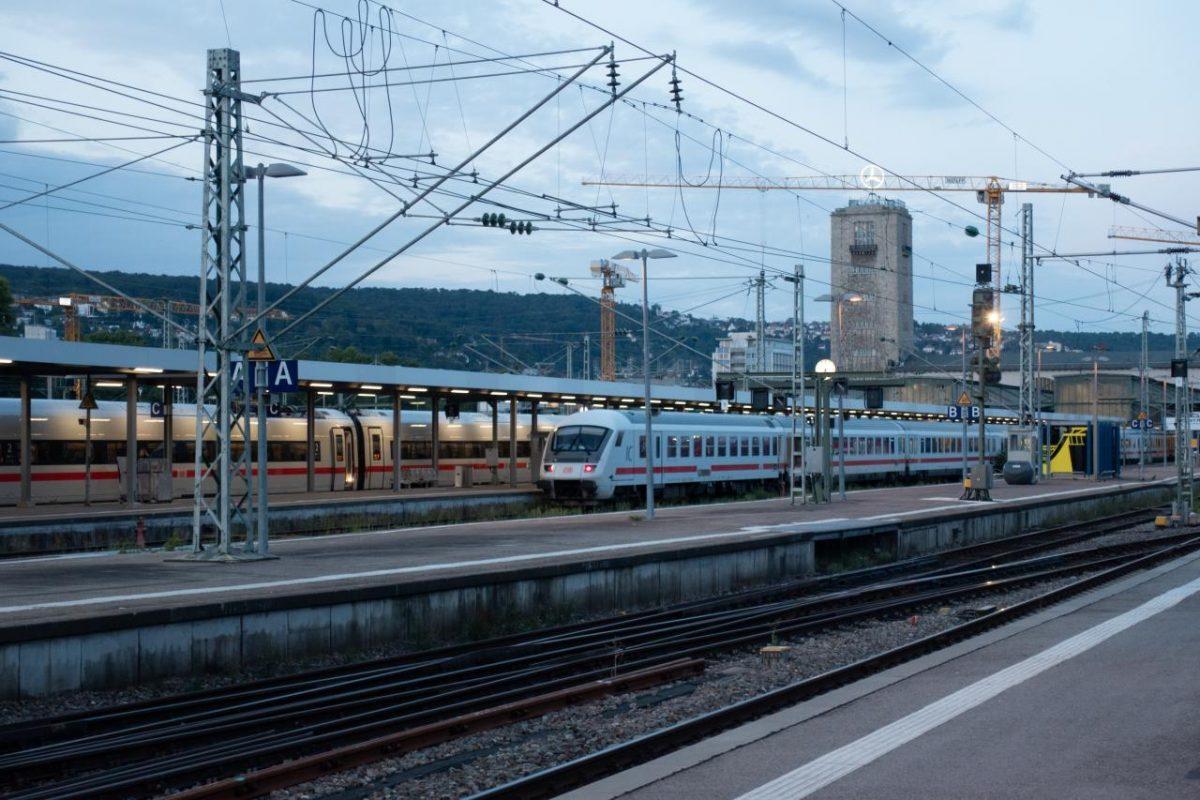 德國公共交通:火車、公共汽車和出租車等